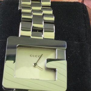 Gucci 3600L 23 mm Women's Watch